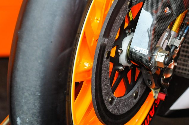 Up Close with the 2013 Honda RC213V Honda RC213V MotoGP Laguna Seca Jensen Beeler 5 635x421