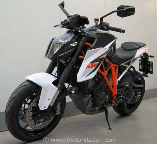 Say Hello to the 2014 KTM Super Duke 1290 R 2014 KTM Super Duke 1290 R teaser 02