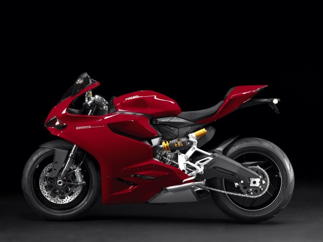 2014 Ducati 899 Panigale Breaks Cover image31 635x475