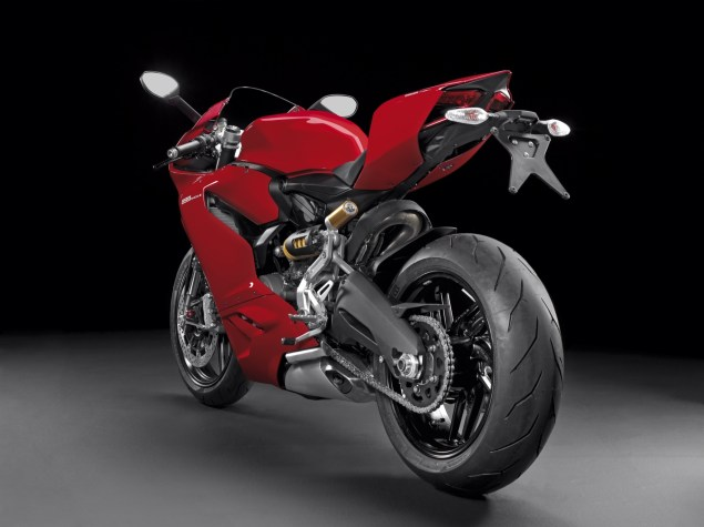 2014 Ducati 899 Panigale Breaks Cover image37 635x475