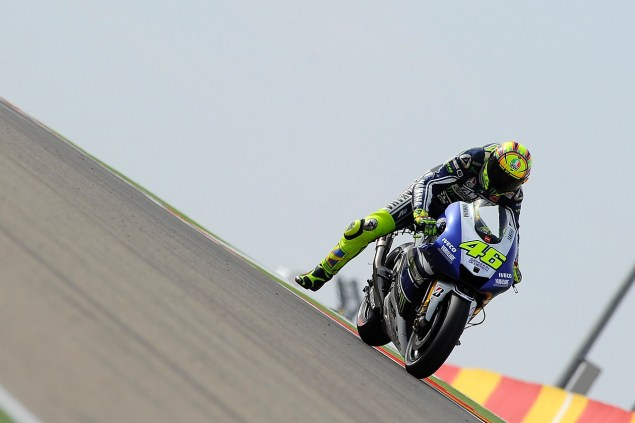 Friday Summary at Aragon: Of Greasy Tracks, Missing Tires, & A Strong Spanish Championship valentino rossi brakes aragon gp yamaha racing 635x423