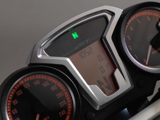 2014-BMW-R-nineT-studio-44