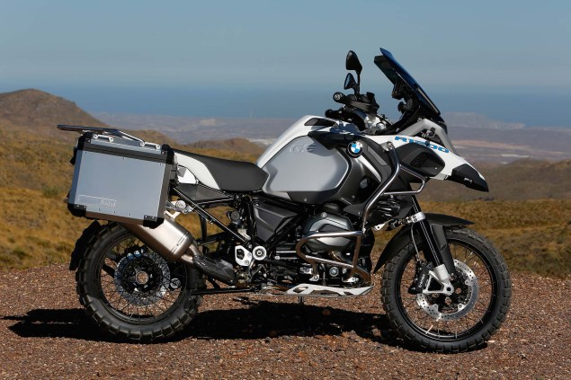 119 Hi Res Photos of the BMW R1200GS Adventure 2014 BMW R1200GS Adventure outdoors 18 635x423