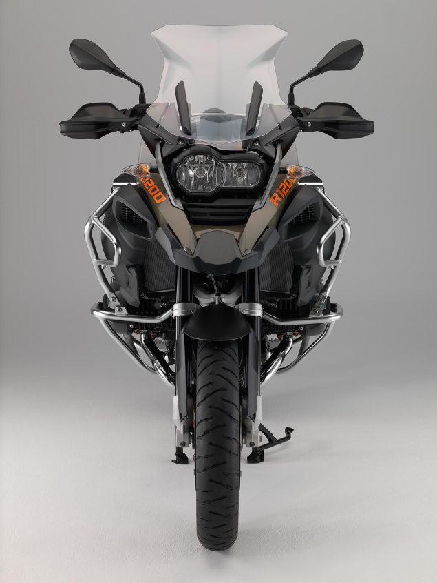119 Hi Res Photos of the BMW R1200GS Adventure 2014 BMW R1200GS Adventure studio 34 635x846