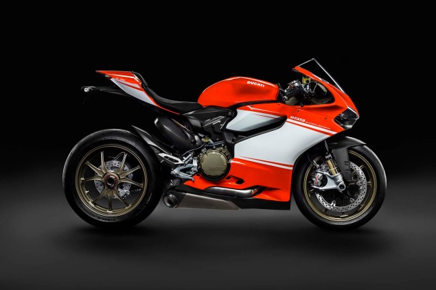 Officially Official: Ducati 1199 Superleggera 2014 Ducati 1199 Superleggera studio 10 635x423