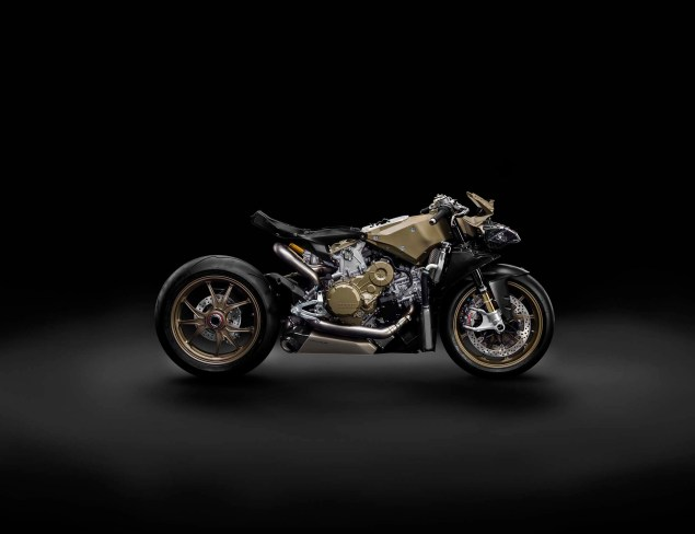 Officially Official: Ducati 1199 Superleggera 2014 Ducati 1199 Superleggera studio 27 635x488