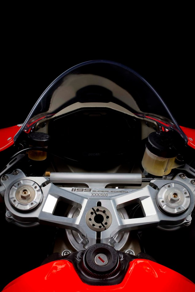 Officially Official: Ducati 1199 Superleggera 2014 Ducati 1199 Superleggera studio 31 635x952