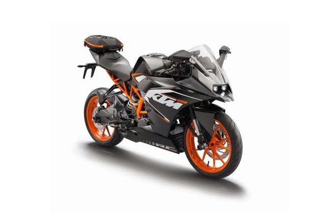 First Photos of the KTM RC125 & KTM RC200 2014 KTM RC200 travel 02