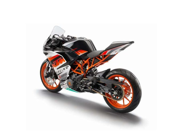 First Photos of the KTM RC125 & KTM RC200 2014 KTM RC390 race 01