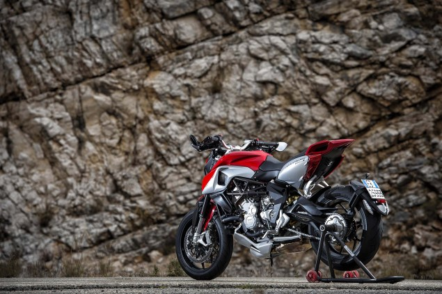 48 Hi Res Photos of the MV Agusta Rivale 800 2014 MV Agusta Rivale 800 14 635x422