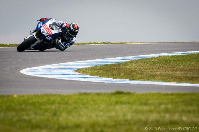 Sunday-Phillip-Island-Australian-GP-MotoGP-2013-Scott-Jones-18
