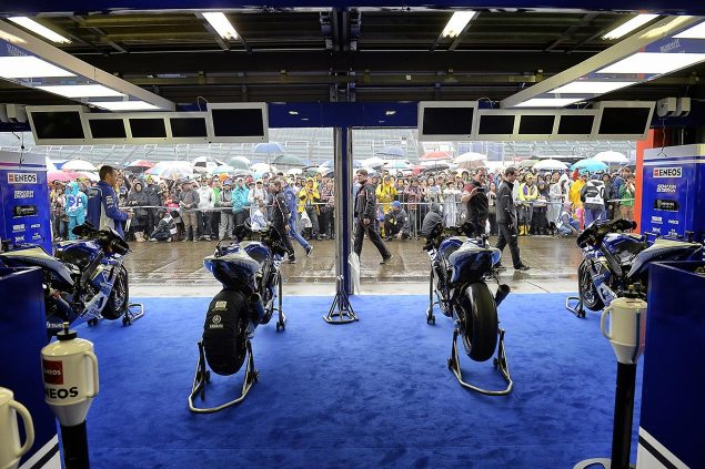 yamaha-motogp-pit-box-motegi-japan