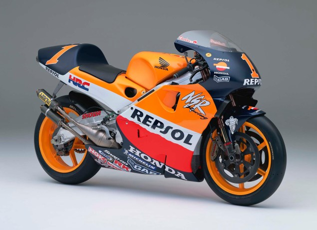 The Lineage of Hondas Grand Prix Motorcycles 1999 Honda NSR500 Mick Doohan 635x461