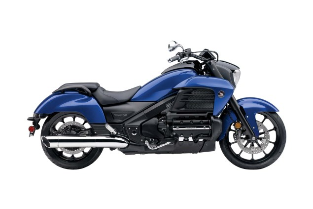 2014 Honda Valkyrie    Your Valhalla of Power Cruisers? 2014 Honda Valkyrie 12 635x423