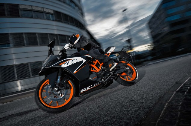 2014 KTM RC200 & KTM RC125    The More the Merrier 2014 KTM RC125 action09 635x422