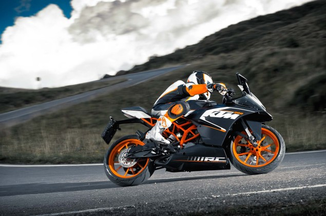 2014 KTM RC200 & KTM RC125    The More the Merrier 2014 KTM RC200 action 15 635x422