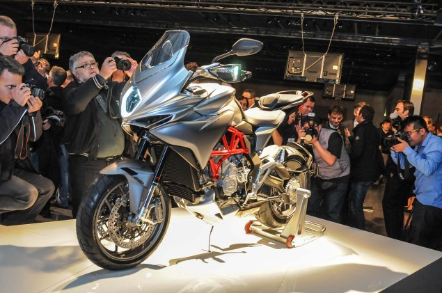 Up Close with the MV Agusta Turismo Veloce 800 2014 MV Agusta Turismo Veloce 800 02 635x421