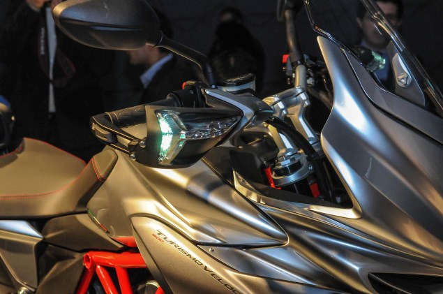 Up Close with the MV Agusta Turismo Veloce 800 2014 MV Agusta Turismo Veloce 800 09 635x421