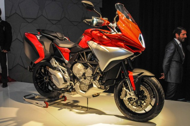 Up Close with the MV Agusta Turismo Veloce 800 2014 MV Agusta Turismo Veloce 800 29 635x421