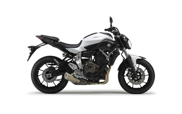2014 Yamaha MT 07    Two Cylinders of Value 2014 Yamaha MT 07 06 635x400