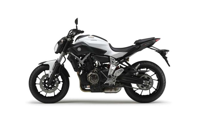 2014 Yamaha MT 07    Two Cylinders of Value 2014 Yamaha MT 07 08 635x400