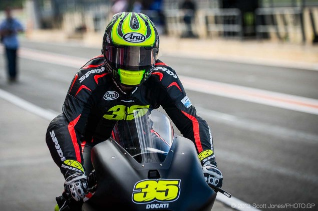 Photos: Cal Crutchlows First Day on the Ducati Desmosedici Cal Crutchlow MotoGP Ducati Corse Valencia Test Scott Jones 07 635x423