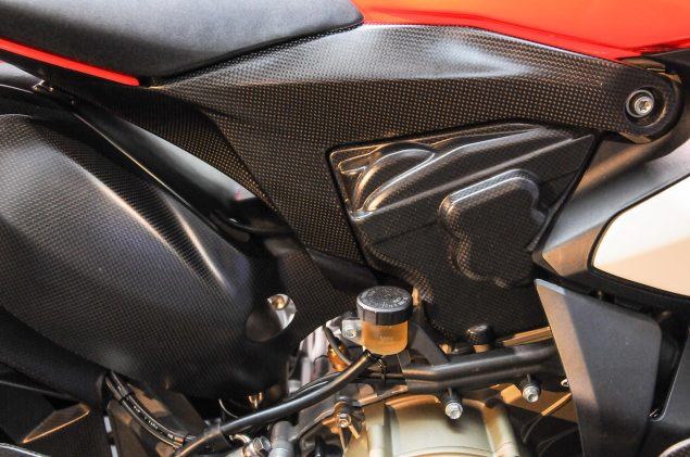 Ducati-1199-Superleggera-EICMA-detail-28