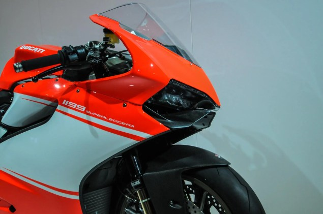 Video: An Intimate Look at the Ducati 1199 Superleggera Ducati 1199 Superleggera EICMA detail 48 635x421
