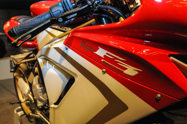 Up Close with the MV Agusta F3 800 Ago MV Agusta F3 800 Ago EICMA 15 635x421