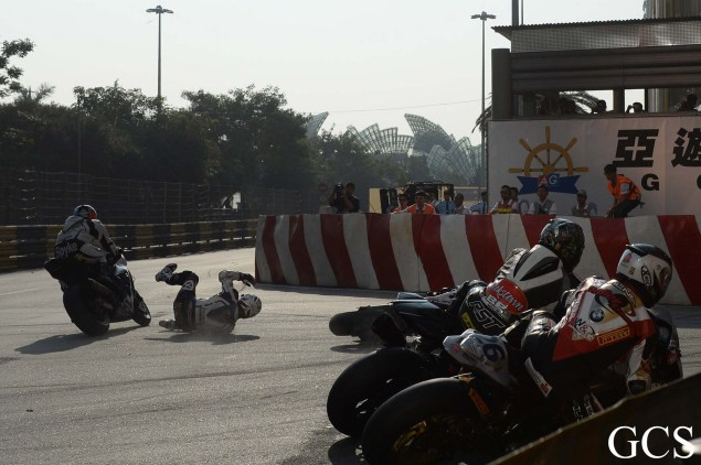 Were These the Luckiest Guys at the Macau GP? Macau GP crash 9 635x422