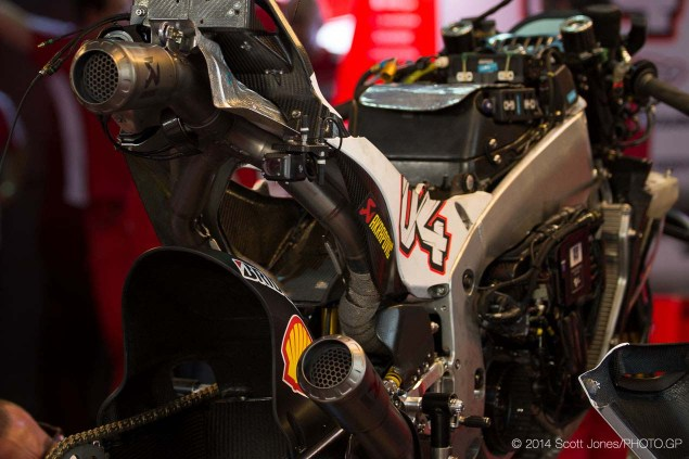 MotoGP: Grand Prix Commission Agrees to Lower Bike Weight  & Freeze Software Development for Factory Option 2014 Qatar GP MotoGP Saturday Scott Jones 03 635x423