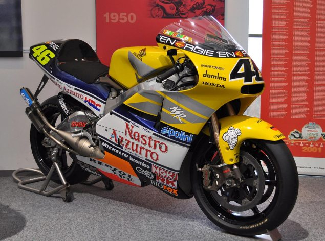 Ronax 500   Dont Call It a Honda NSR500 Replica Valentino Rossi Honda NSR500 2001 635x472