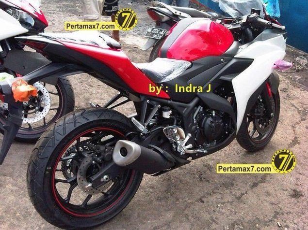 Proper Spy Photos of the Yamaha YZF R25 in the Wild yamaha yzf r25 spy 635x476