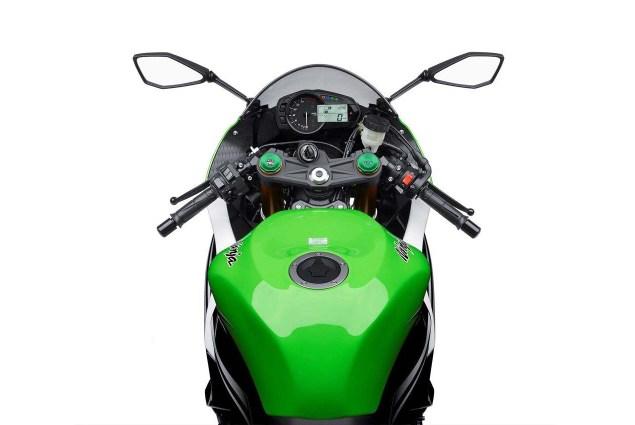2015 Kawasaki Ninja ZX 6R 30th Anniversary Edition 2015 Kawasaki Ninja ZX 6R 30th Anniversary 10 635x425