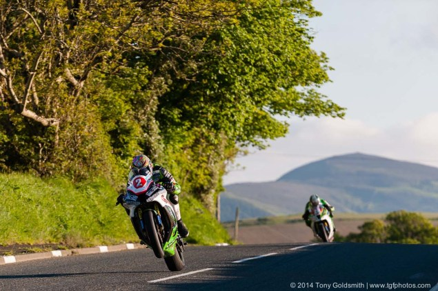 IOMTT: Cronk y Voddy with Tony Goldsmith Cronk y Voddy Straight Isle of Man TT 2014 Tony Goldsmith 01 635x422