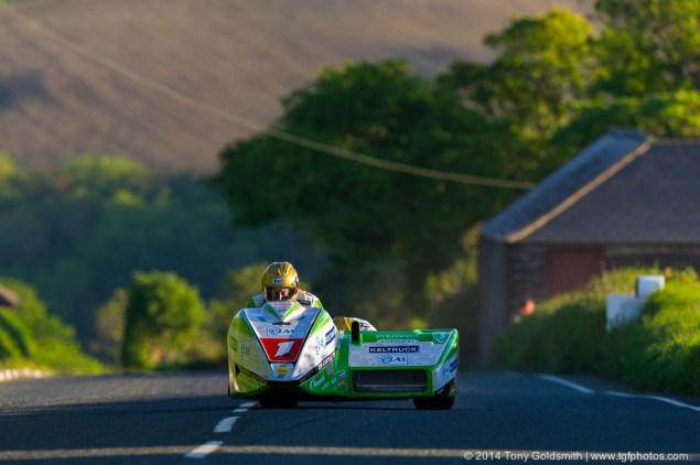 IOMTT: Cronk y Voddy with Tony Goldsmith Cronk y Voddy Straight Isle of Man TT 2014 Tony Goldsmith 07 635x422