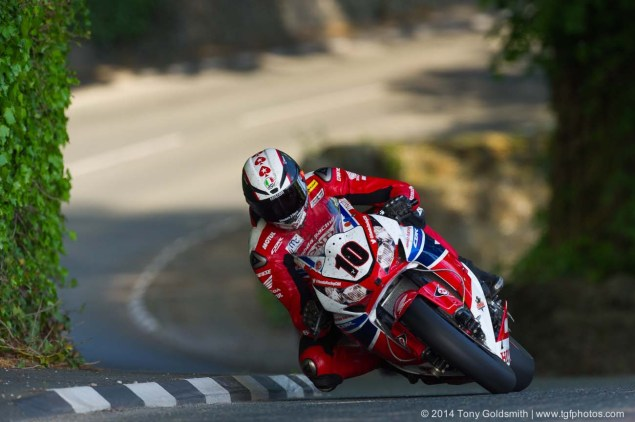 IOMTT: Greeba Castle with Tony Goldsmith Greeba Castle Isle of Man TT 2014 Tony Goldsmith 06 635x422