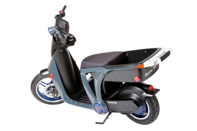 Mahindra Building a Plant in Michigan for Electric Scooters Mahindra GenZe electric scooter 04 635x423