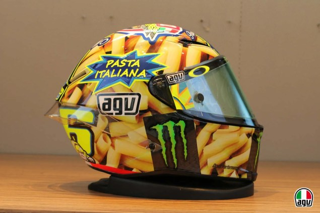 Valentino Rossis Special Mugello Helmet Explained Valentino Rossi AGV Helmet Mugello 2014 01 635x423
