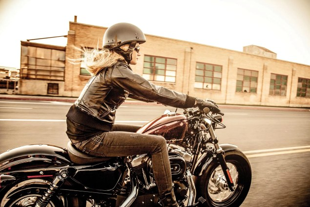 Women Enjoy Motorcycles & Other Obvious Conclusions harley davidson female motorcyclist 635x423