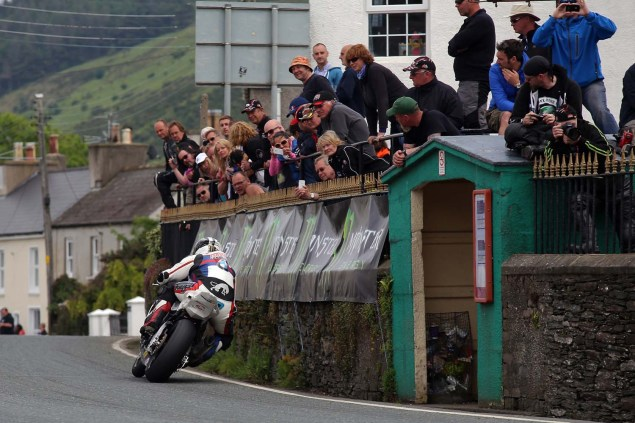IOMTT: Ballaugh Bridge with Richard Mushet 2014 Isle of Man TT Ballaugh Bridge Richard Mushet 06 635x423