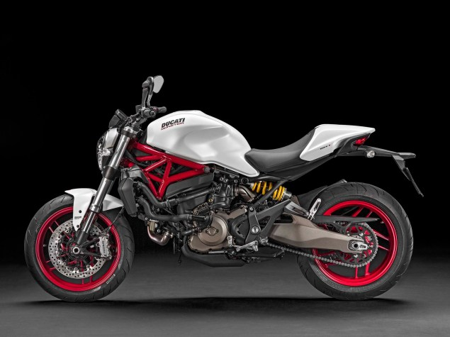 2015 Ducati Monster 821 Mega Gallery 2015 Ducati Monster 821 60 635x475