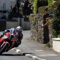 Michael-Dunlop-Superstock-TT-race-Richard-Mushet