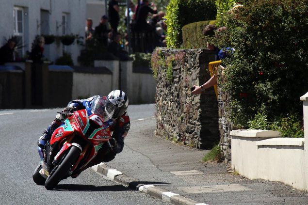 IOMTT: Ballaugh with Richard Mushet Michael Dunlop Superstock TT race Richard Mushet 635x423