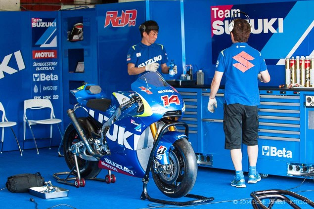 Photos of the Suzuki XRH 1 Testing at Catalunya Suzuki XRH 1 Catalunya Test MotoGP Scott Jones 04 635x423