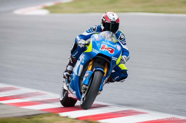 Photos of the Suzuki XRH 1 Testing at Catalunya Suzuki XRH 1 Catalunya Test MotoGP Scott Jones 06 635x423