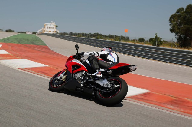 2015-BMW-S1000RR-action-21