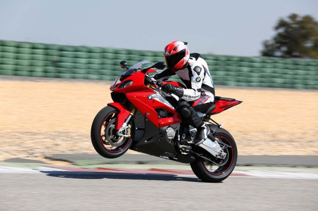2015-BMW-S1000RR-action-48