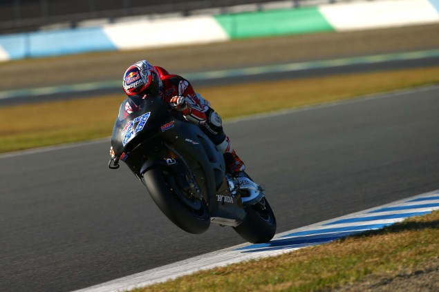 MotoGP: Casey Stoner Finishes Two Days of Testing for HRC Casey Stoner 2015 Honda RC213V Motegi Test 05 635x423