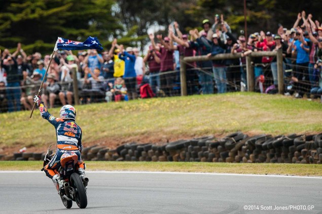 Sunday at Phillip Island with Scott Jones Sunday Moto2 Moto3 Phillip Island Scott Jones 01 635x423